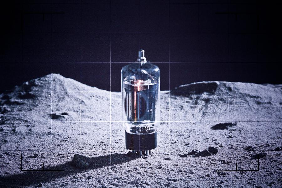 http://www.localf11.ch/baptiste-coulon/files/gimgs/76_lunar-19.jpg